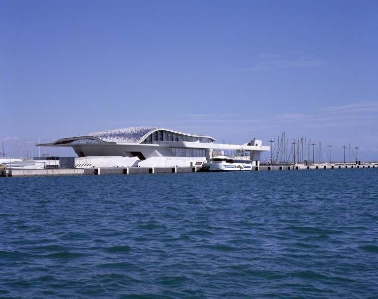 Terminal marítima de Salerno (Italia)